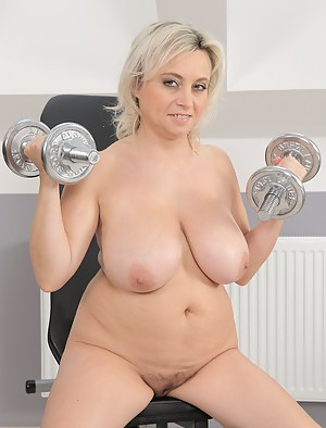 Big Boobs Gym Porn Pictures