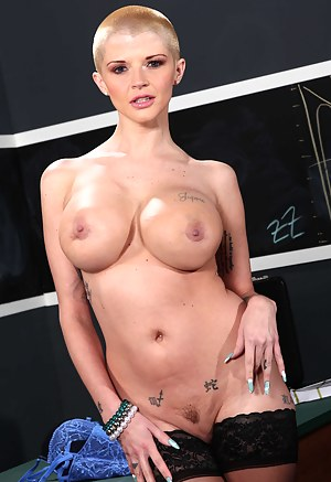 Big Boobs Bald Porn Pictures